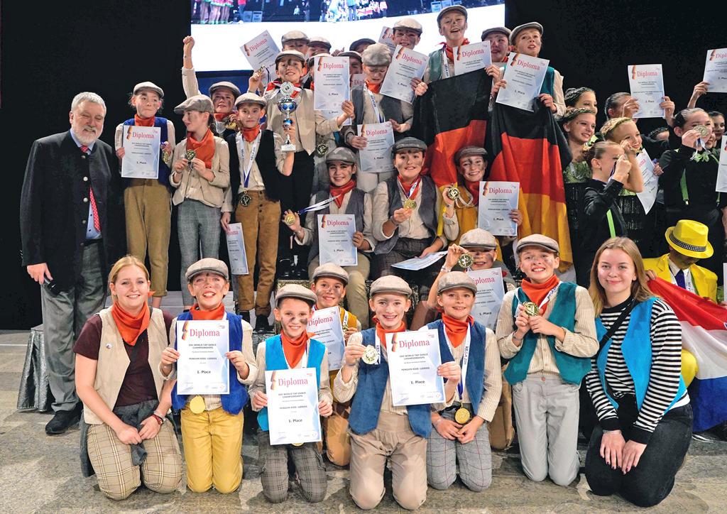 Auf ein Neues im nächsten Jahr: Der amtierende Weltmeister in der Schüler-Formation, die Penguin Tappers des TV Hemsbach, hoffen, ihren Titel 2021 verteidigen zu können. BILD: HARDY SOEDRADJAT